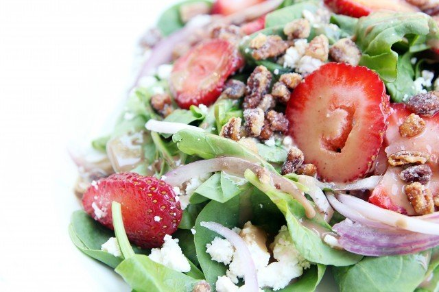 Strawberry balsamic salad